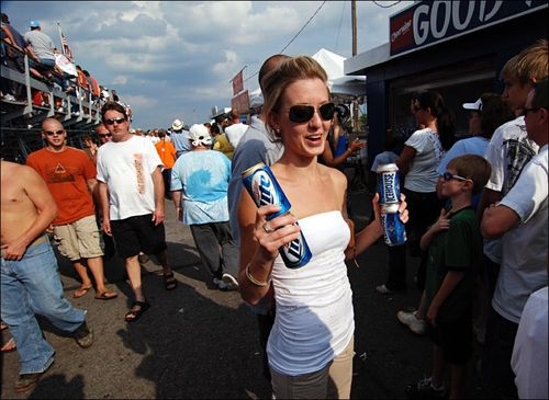 Fan Beer Girl