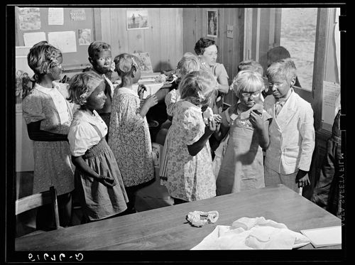 Marion Post Wolcott children made up for their Negro song and dance Ashwood Plantations, South Carolina