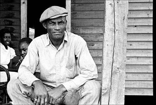 South Ben Shahn 1935 Sharecropper on Sunday, Little Rock, Arkansas.