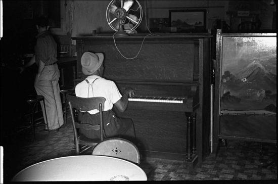 Ben Shahn Wonder Bar hot spot in Circleville Ohio 1938