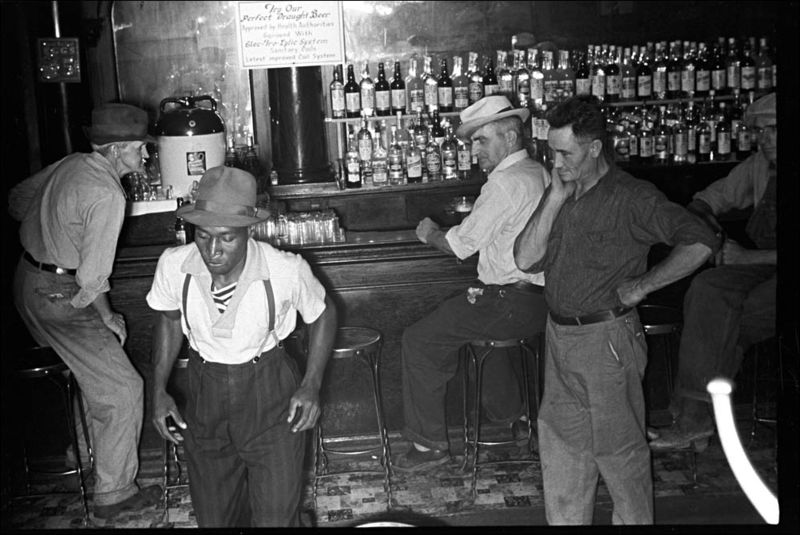 Ben Shahn Wonder Bar hot spot in Circleville Ohio 1938 02