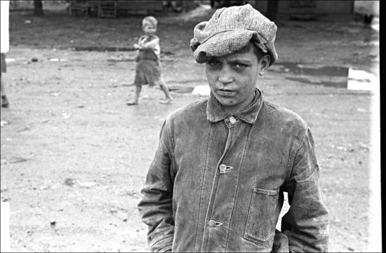 Ohio Ben Shahn 1938 Dwellers in Circleville's Hooverville, central Ohio