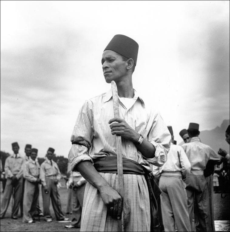 Constance Stuart Larrabee Muslim Man Khalifah Ratiep Bo Kaap Cape Town 1942 43 Blog
