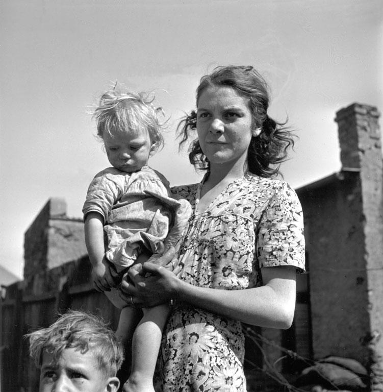 Constance Stuart Larrabee Mother and Children 1947 48