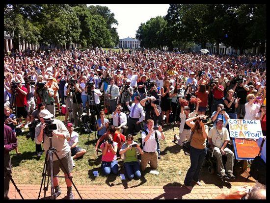 Mason UVA Sullivan Crisis Last Rally Crowd