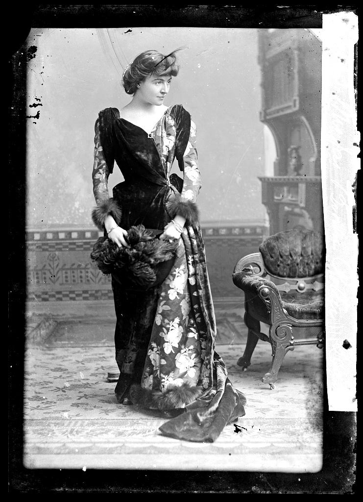 CM Bell Mrs James Brown Potter 1873 1890 LOC 01